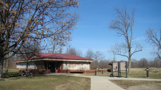 Hopewell Mounds Visitors' Center
