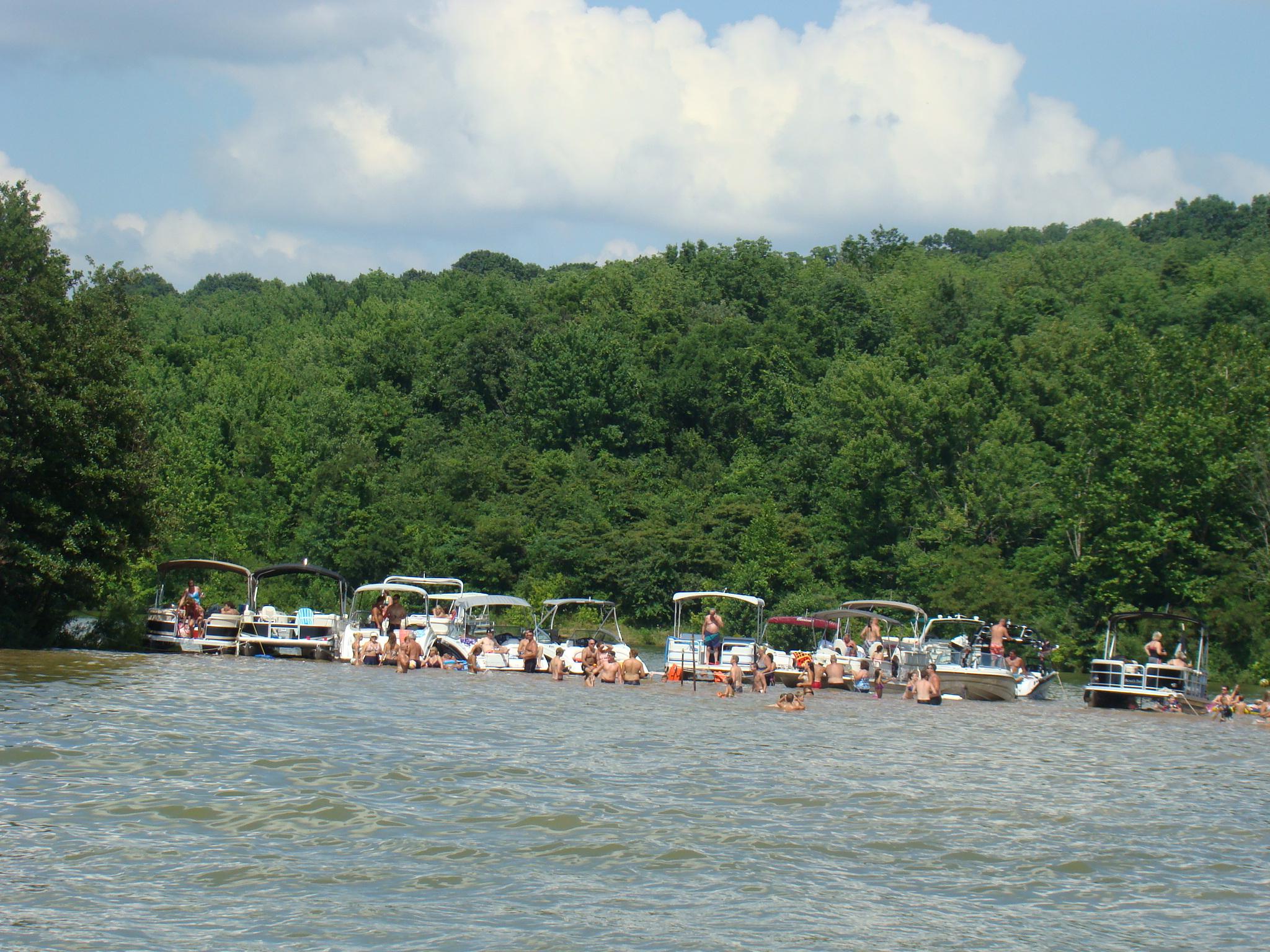 and lifts seneca boat lakes docks aqua cabins retouch stationary at lake we doc service aluminum ohio