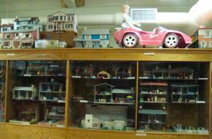 Dollhouses from floor to ceiling