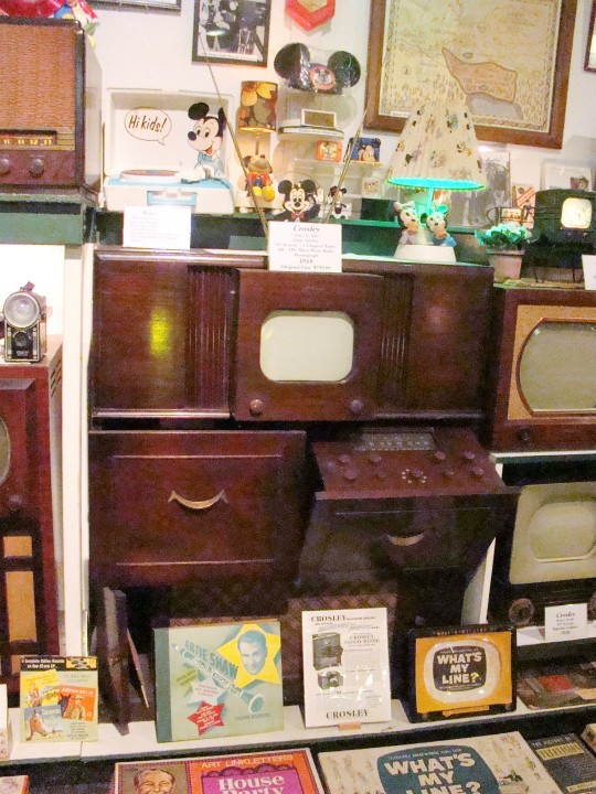 This early home entertainment center from 1948 contained a TV, record player, and radio.