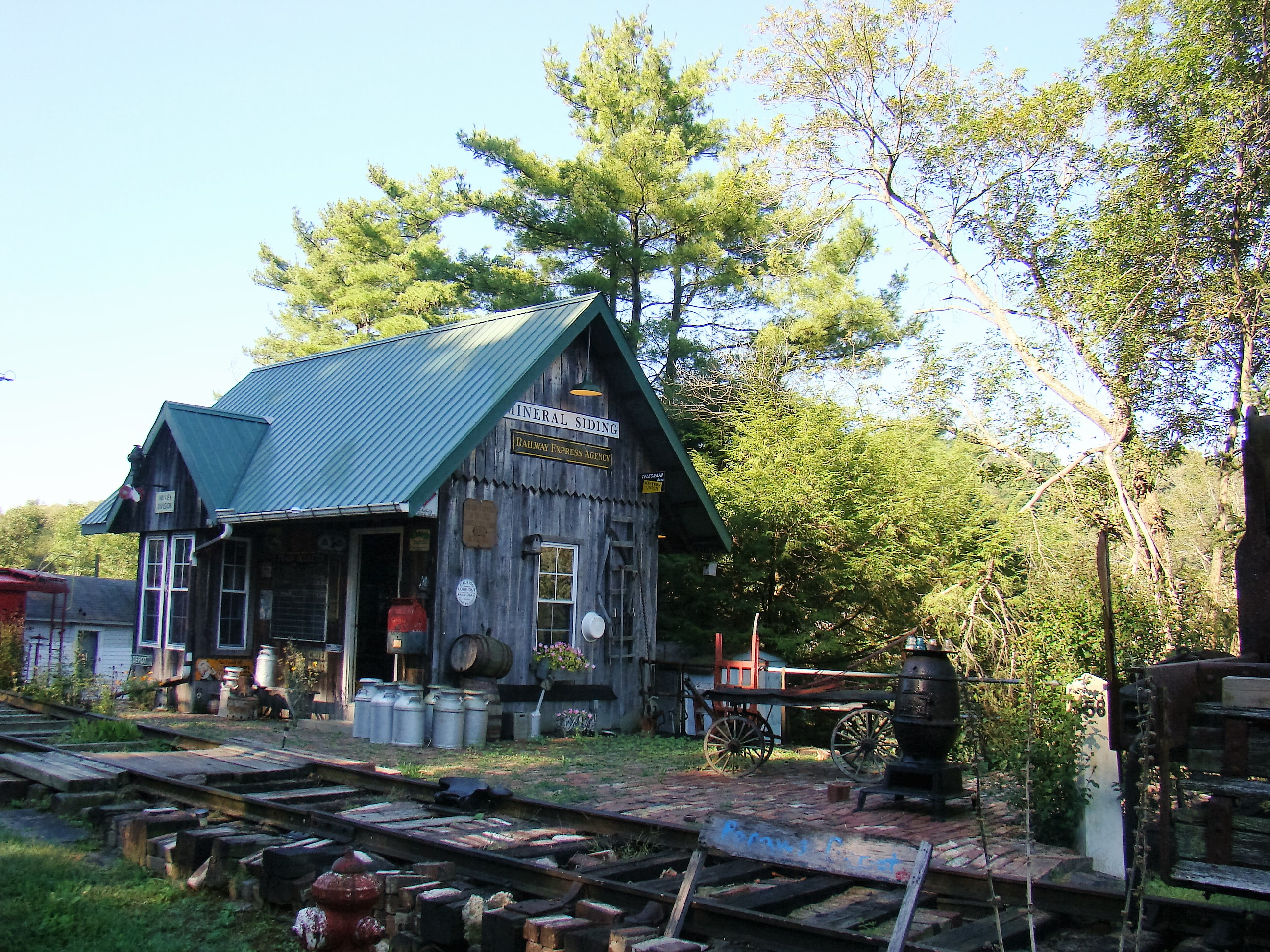 Dave built his own Depot and Museum in his back yard.