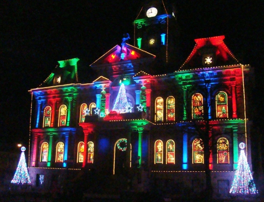 Guernsey County Ohios Courthouse Christmas Light Display 2020 Guernsey County Holiday Light Show | Gypsy Road Trip