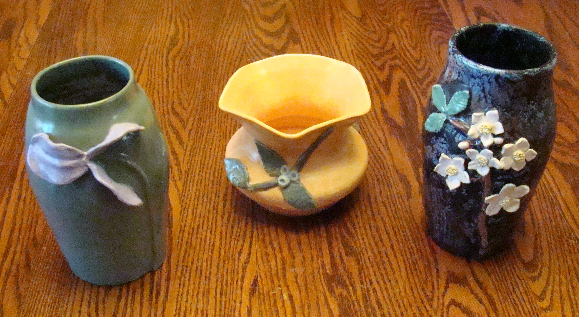 vases-with-applique