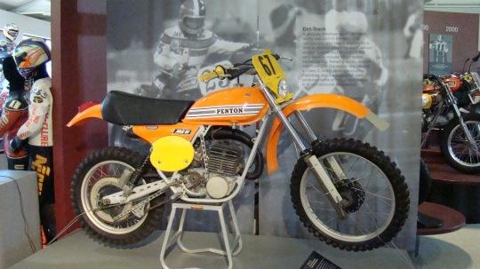 AMA Dirt Bikes