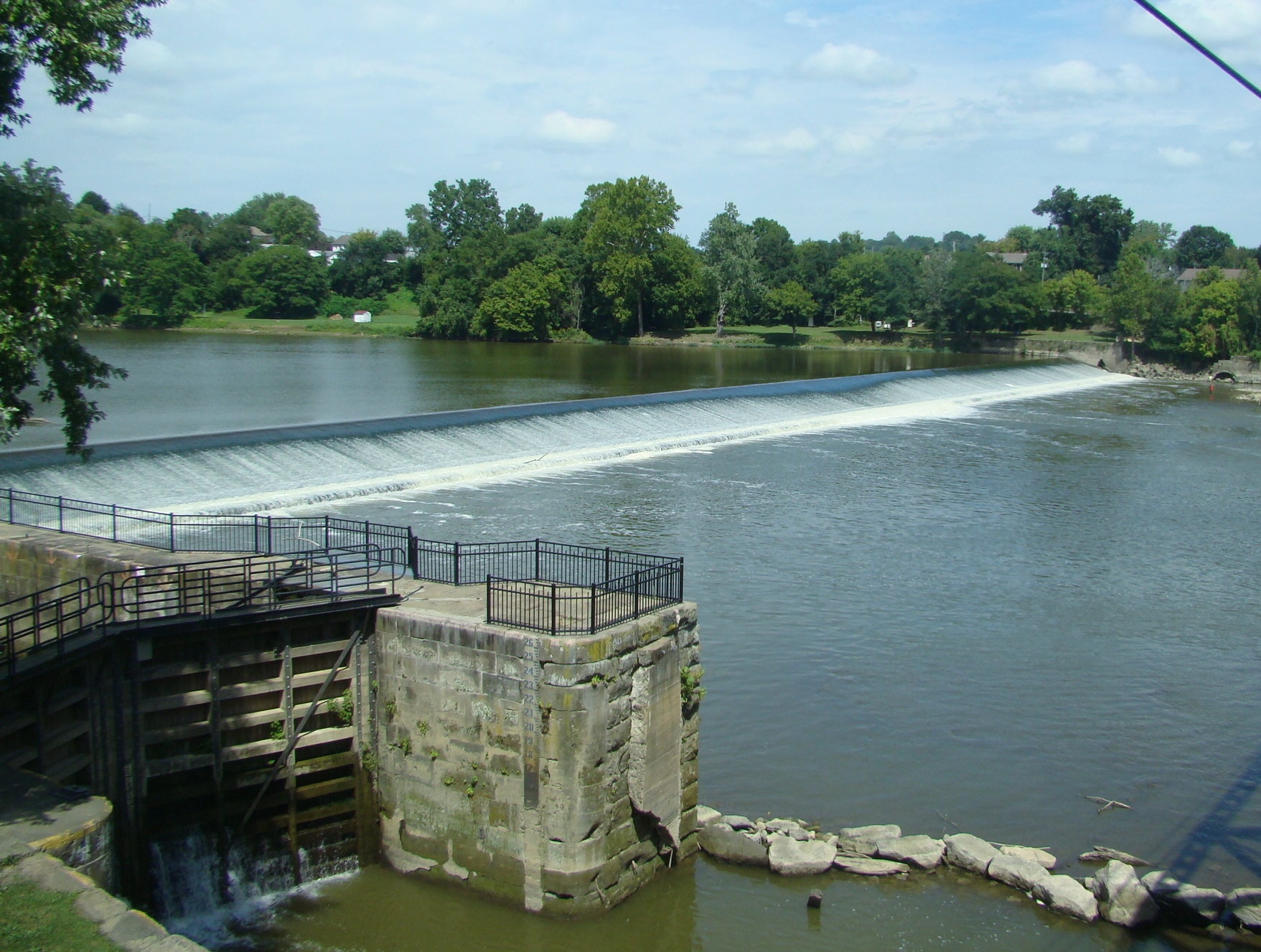 River Lock 9