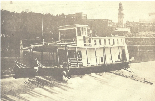 Steamer Marietta stuck on dam at Lock # 1 001 (2)