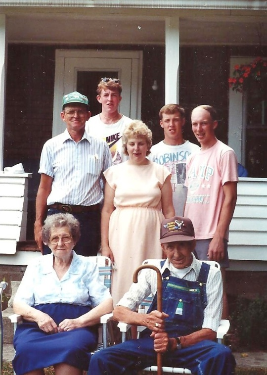 Jerry and family 001