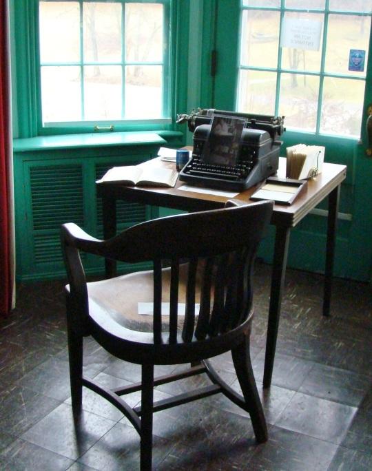 Malabar Desk