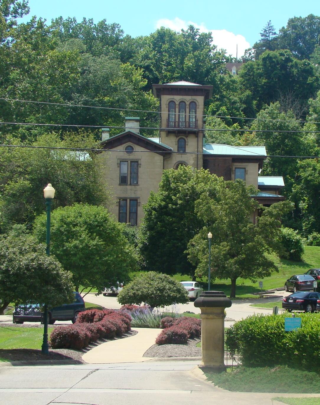 Douglas Putnam Place