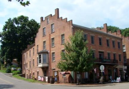 Roscoe Hotel