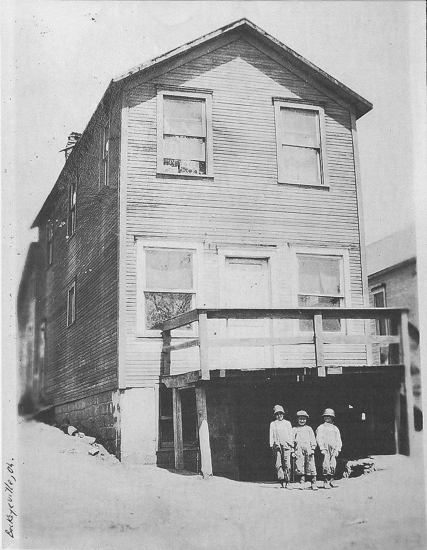 rear of store in Buckeyeville
