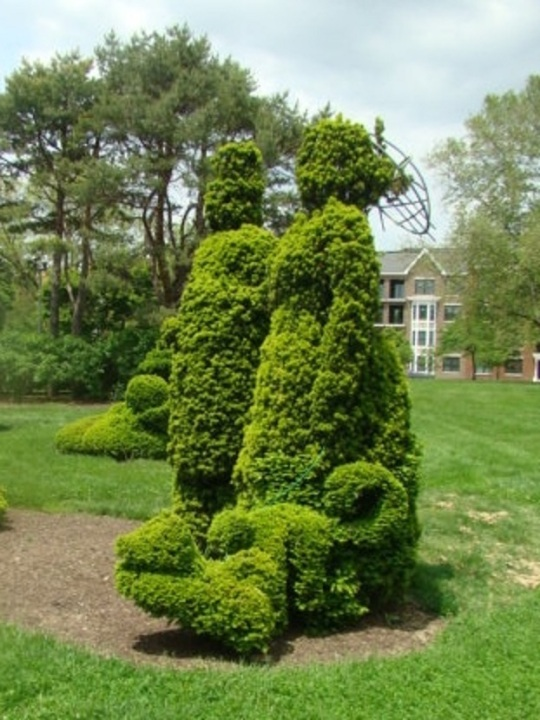 Topiary - Lady with Monkey and Umbrella